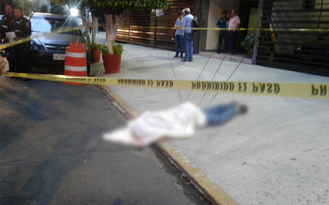 Joven se lanza del doceavo piso de un edificio en la Benito Juárez