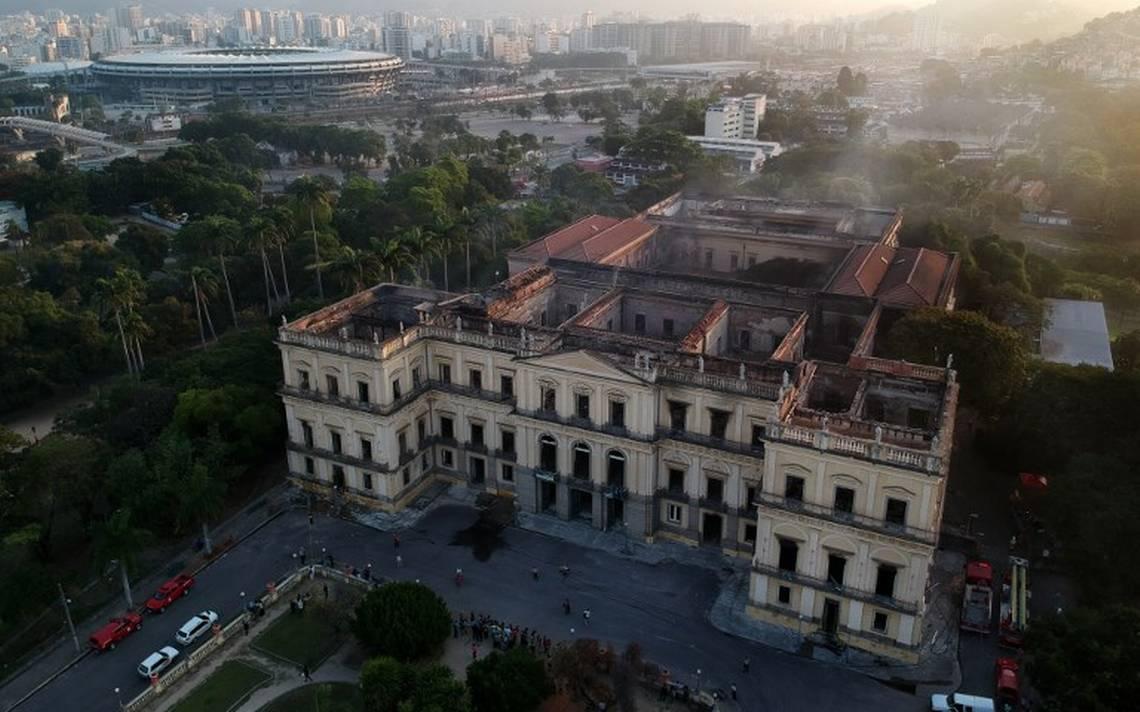 """Unesco ayudará con """"todo su conocimiento"""" a Brasil tras incendio en museo"""