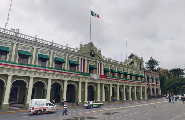 """Surgen más """"aviadores"""" en Colegio de Veracruz"""