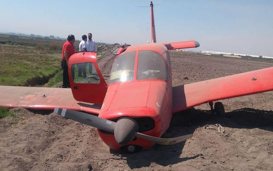 Aeronave aterriza de emergencia en Toluca; no se reportan lesionados