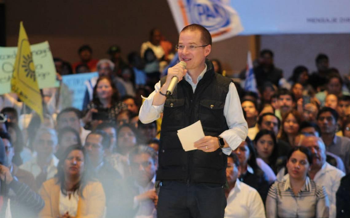 Ricardo Anaya arremete contra sus adversarios del PRI y Morena