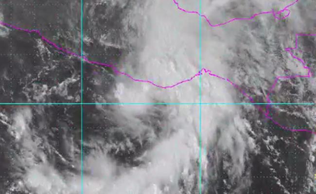 Depresión 2-E evoluciona a tormenta tropical Beatriz en costas de Oaxaca