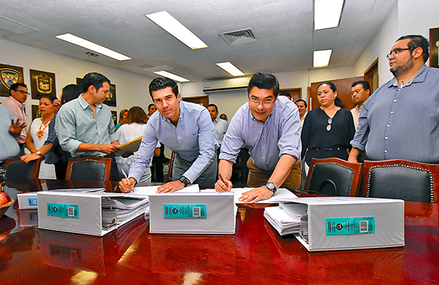 Por fin, PRD entrega la Jucopo de Tabasco al PVEM