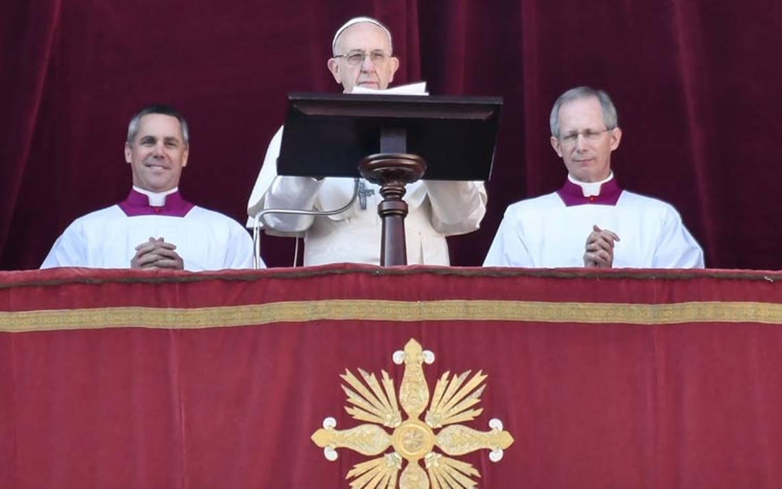 Papa ofrece su saludo de Navidad: pide diálogo y paz para el mundo porque 'soplan vientos de guerra'