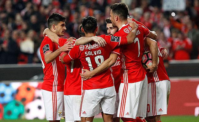El Benfica venció 3-1 al Chaves
