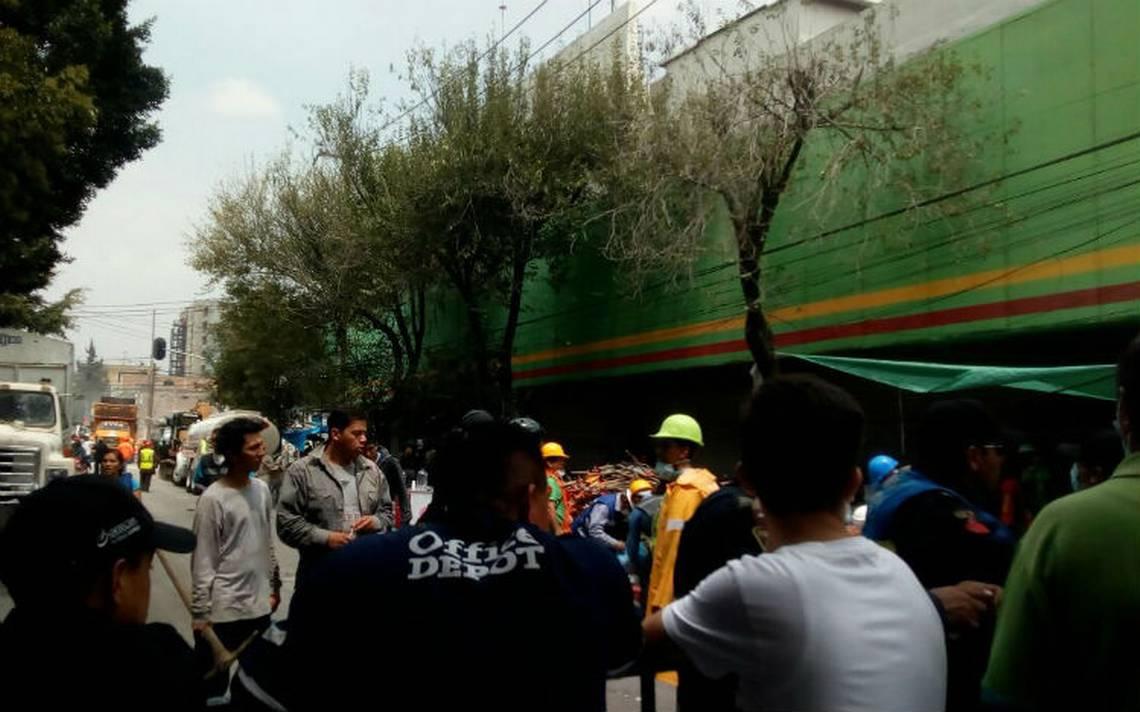 Falso, derrumbe de Aurrera en Chimalpopoca y Bolívar