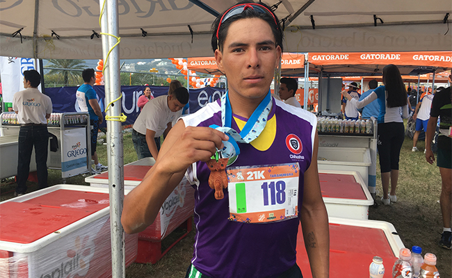 Atleta tarahumara Hermilo García corre hacia Juegos Olímpicos de Tokio