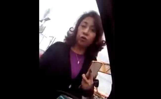 Insulta a taxista que chocó su auto la llaman #LadyPrepotente