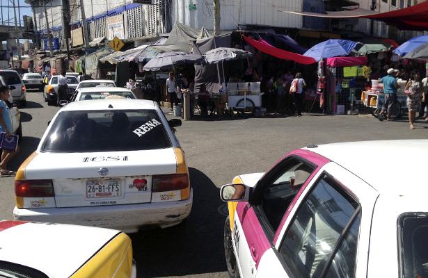 En Guerrero reciben al turismo con alza al pasaje