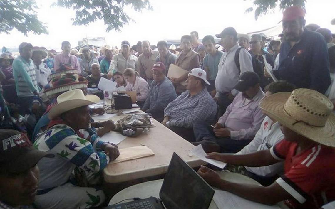 Huicholes retienen por diez horas a secretarios de Educación y de Infraestructura y Obra Pública