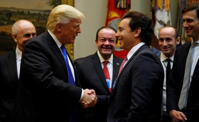 Trump insta a directivos de Ford, GM y Fiat a impulsar producción