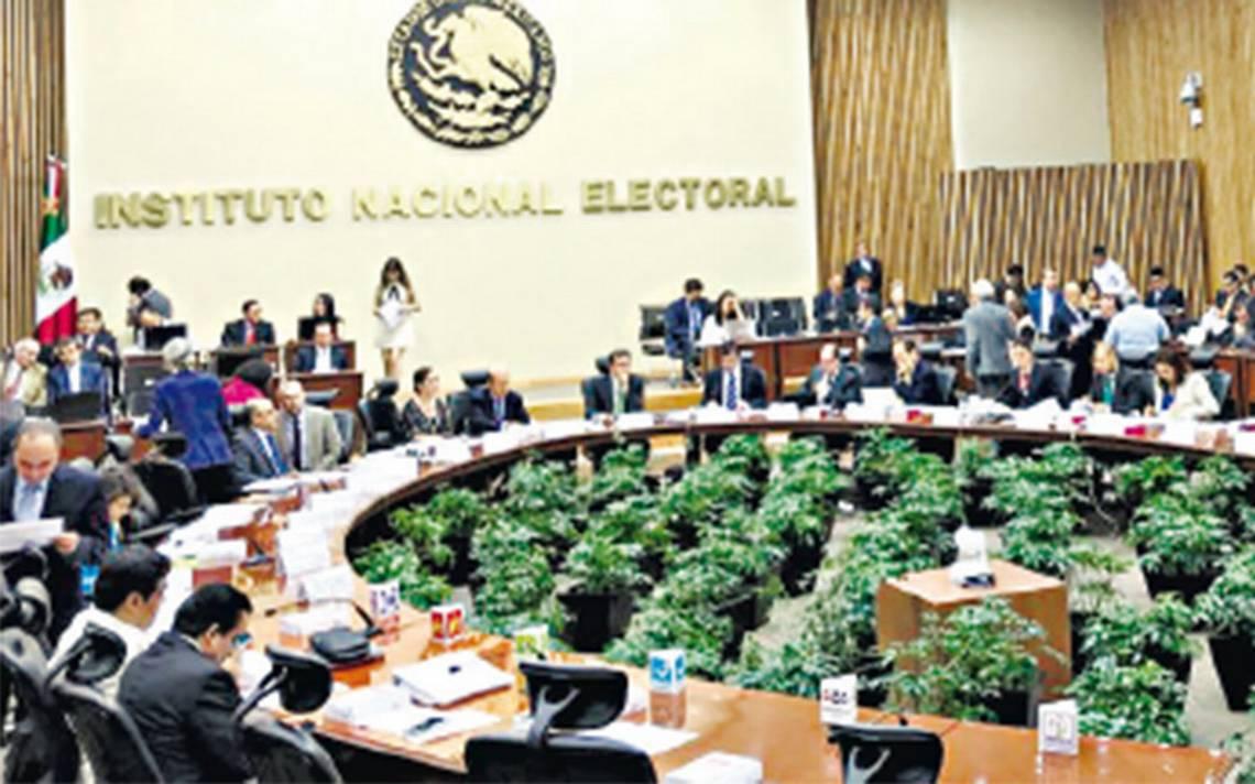 INE pone reglas al pase de charola de los candidatos