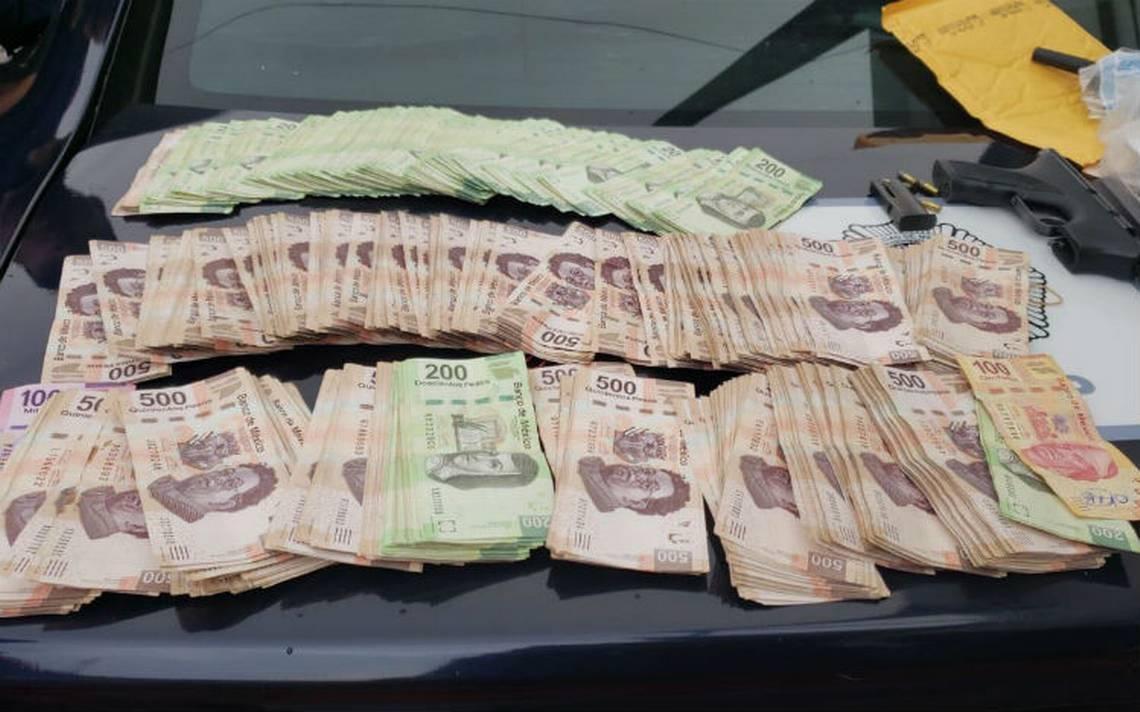 Mujer policía frustra robo a automovilista; caen dos con 300 mil pesos