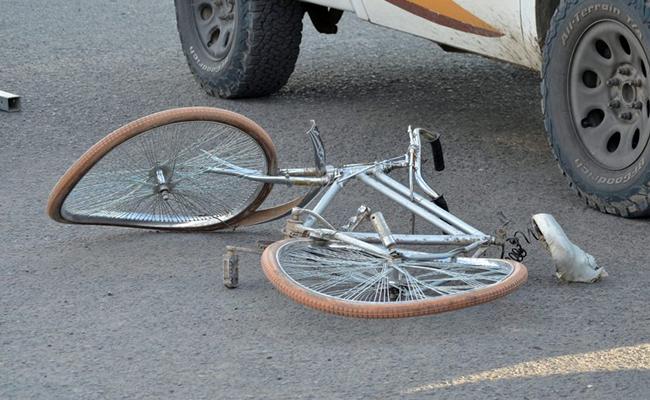 Doble tragedia: se ahoga su bebé y mata a ciclista