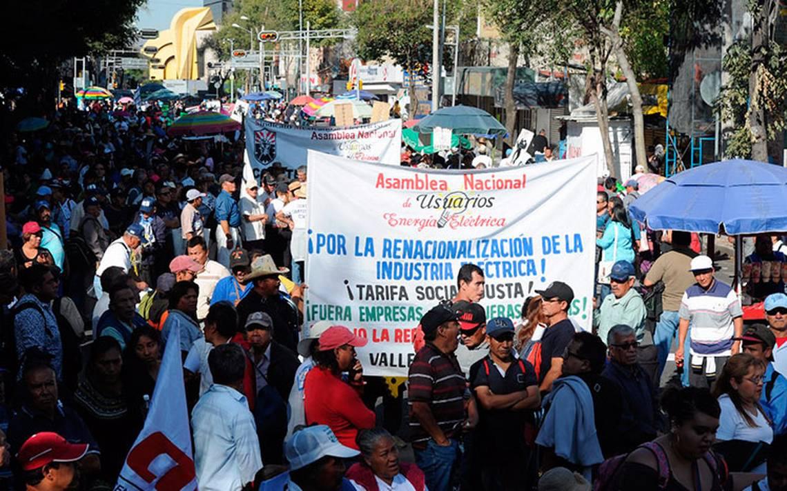 ¡Toma precauciones! Manifestantes provocan caos vial en Bucareli