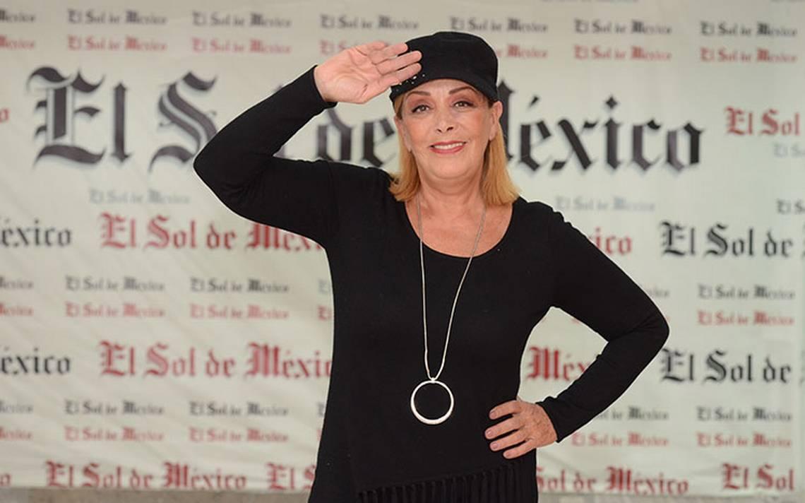 Sylvia Pasquel cumple 50 años en los escenarios