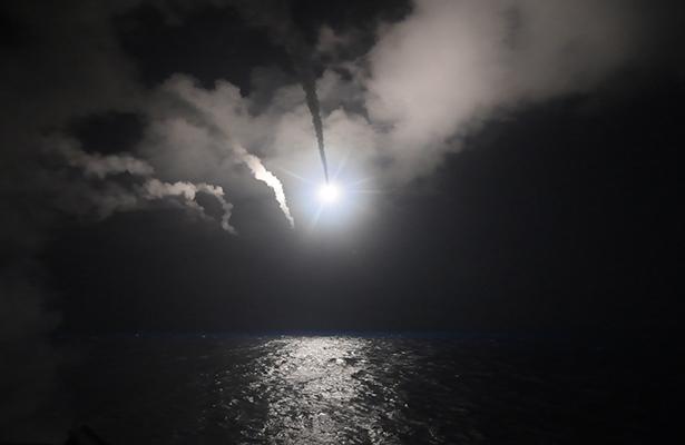 Ataque de Estados Unidos a base en Siria divide a las potencias