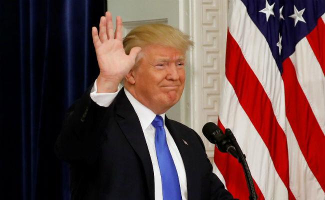 Trump amenaza con cortar subvenciones del Obamacare si no se aprueba su ley