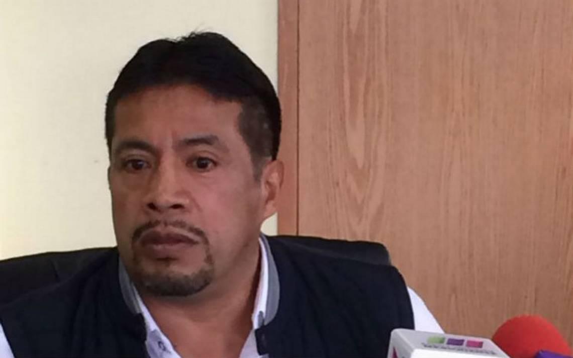 Acusan al alcalde de Chiconcuac de falsificar firmas de policías