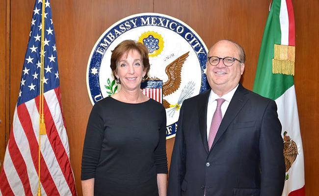 Reunión de Graco Ramírez con Roberta Jacobson