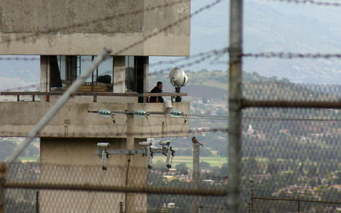 Mueren dos internos en el penal de Chiconautla