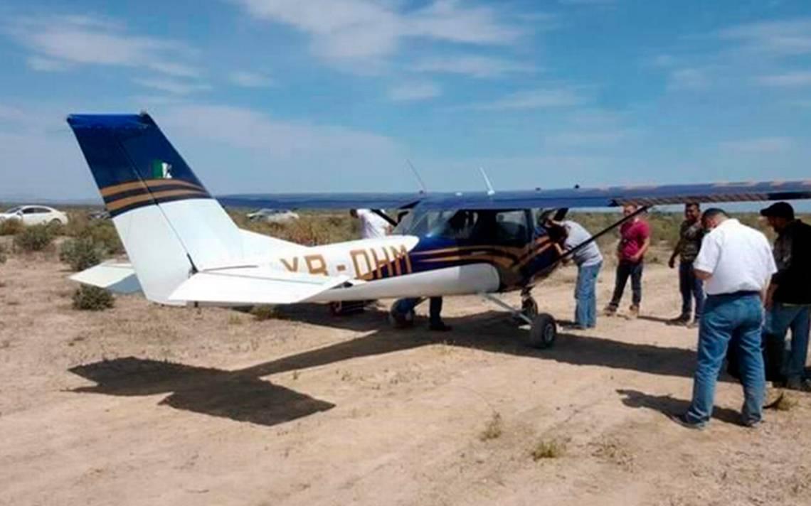 Aterriza de emergencia avioneta en la Monterrey-Monclova