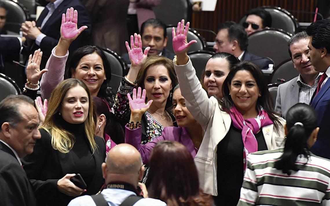 Amplia brecha entre hombres y mujeres en política pública