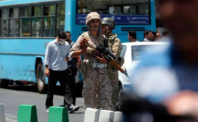 Identifican a los cinco autores del doble atentado en Teherán