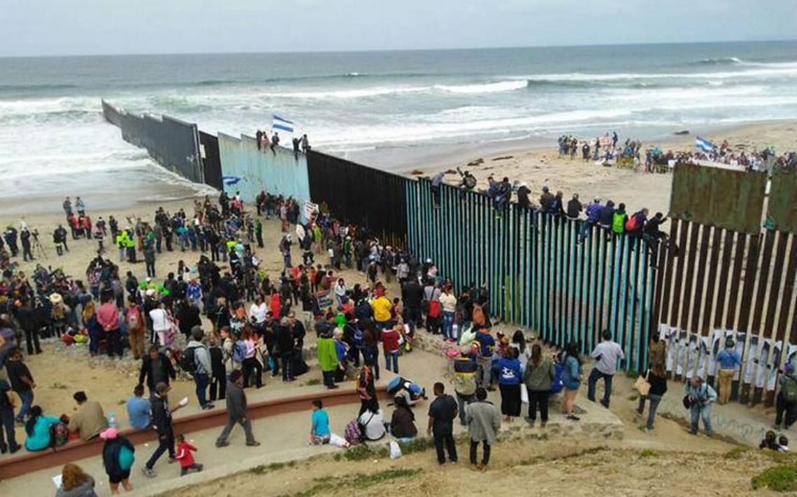 Caravana migrante se manifiesta en la frontera: buscan asilo en EU