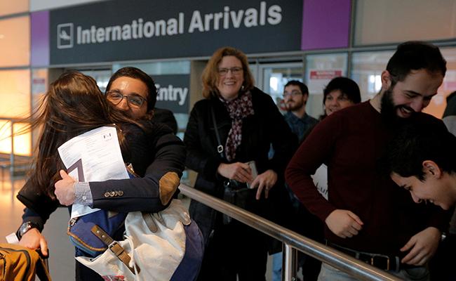 Aerolíneas en EU ya pueden aceptar a ciudadanos vetados por Trump