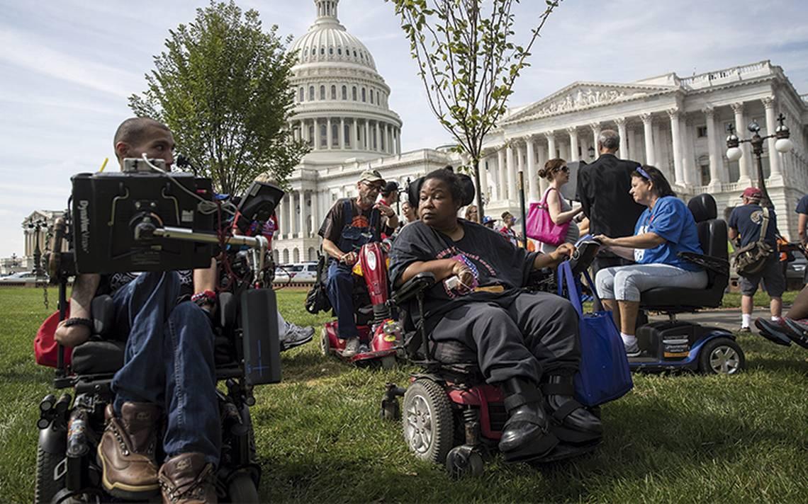 Pese a las amenazas de Donald Trump, Obamacare sigue en pie