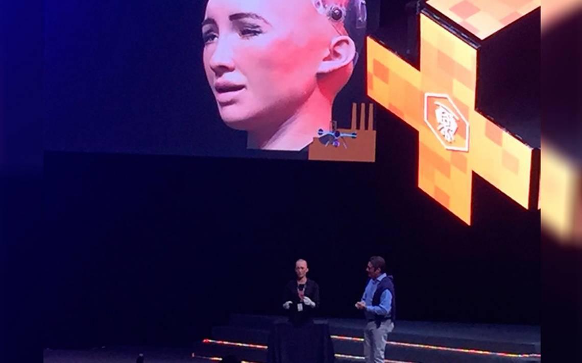 [Video] Ponencia de Sophia, la primera robot humanoide asombra a Talent Land
