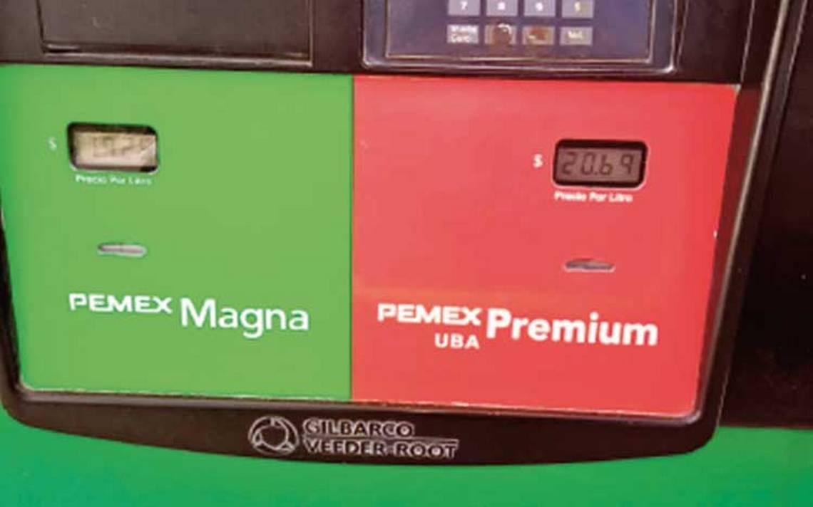 Error de dedo dispara precio de la Premium hasta 29.69 pesos por litro