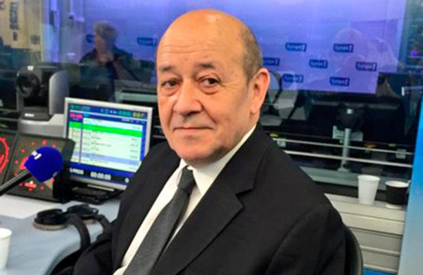Ministro francés de Defensa viaja a Londres tras atentado