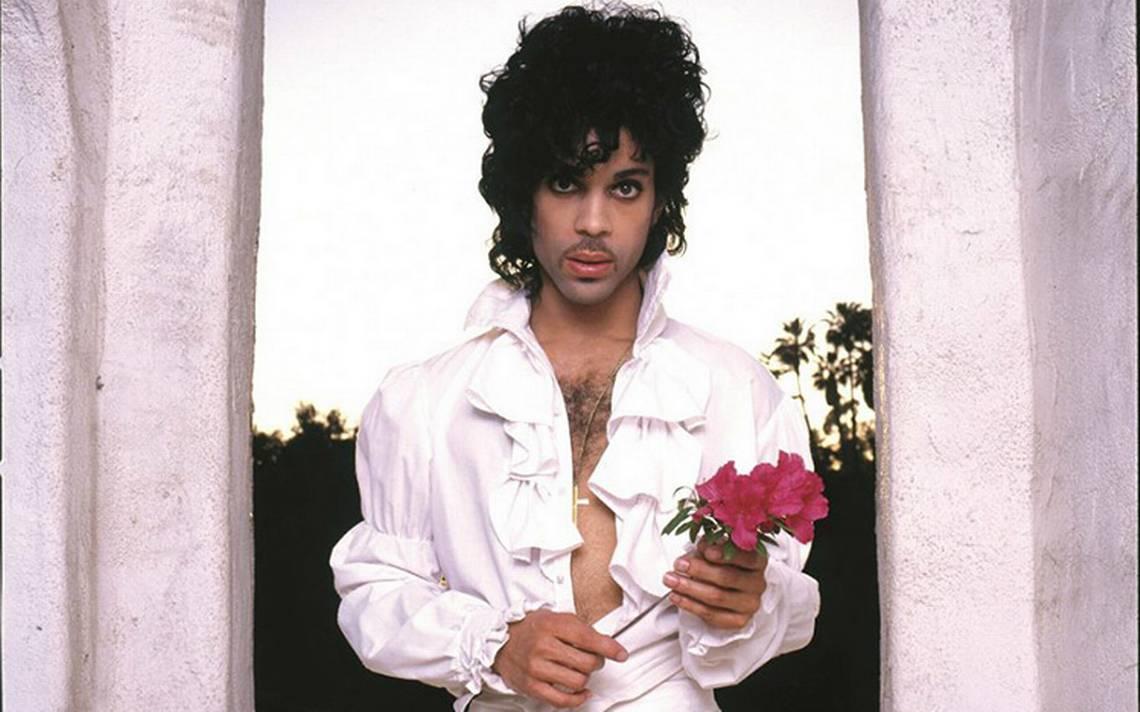 Familia cede a disquera el legado de Prince