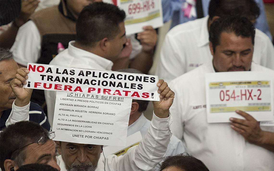 Piden taxistas en Puebla acción contra Uber
