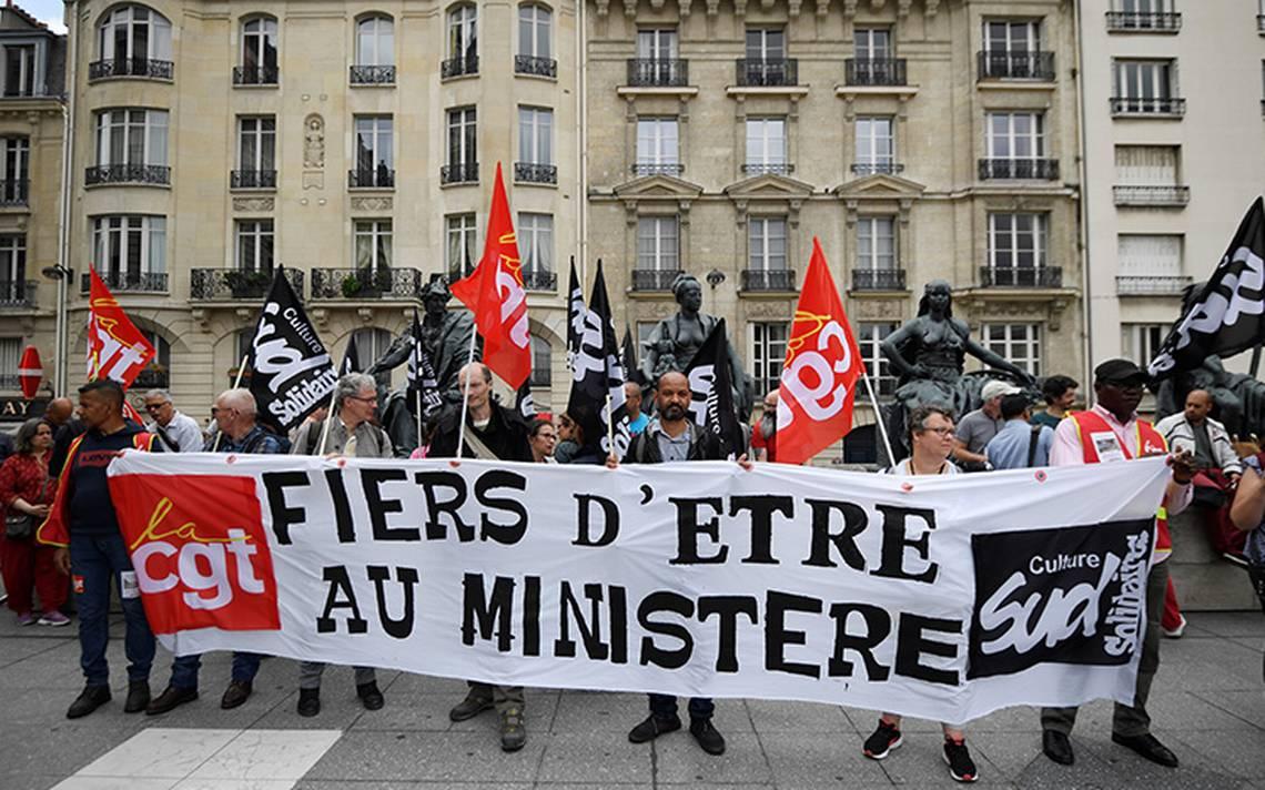 Versalles y Arco de Triunfo de París cierran por huelga