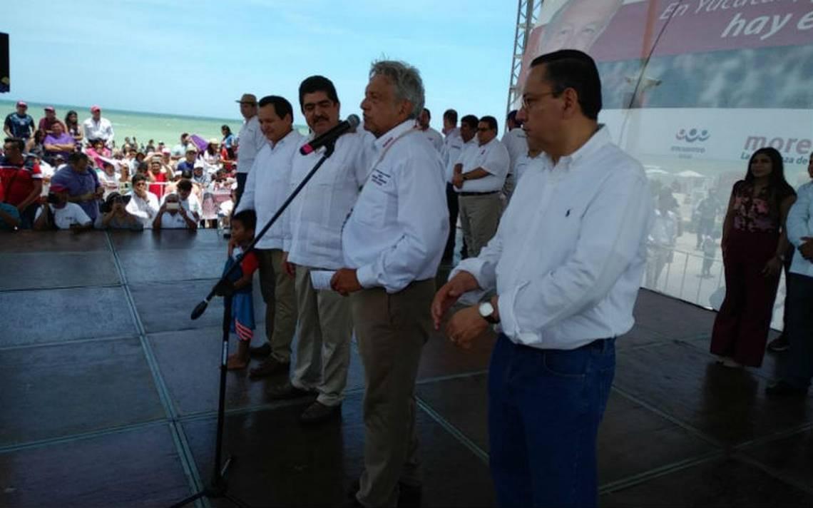 Expresidentes del PAN piden voto para AMLO