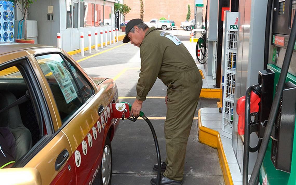 Contiene SHCP alza abrupta en precio de gasolinas
