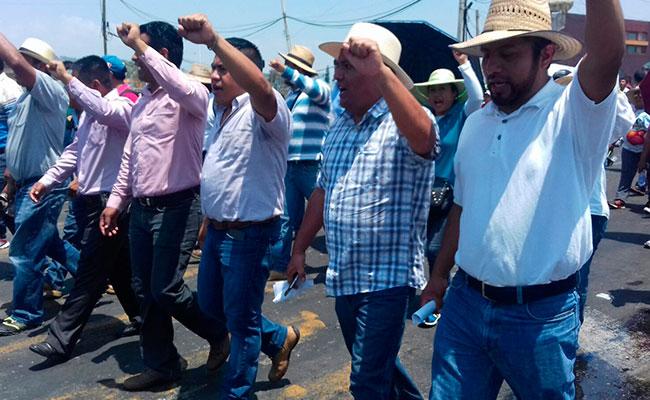 CNTE sí iniciará clases este lunes aunque con marchas