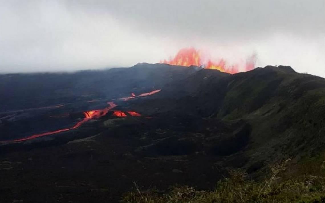Volcán Sierra Negra en Galápagos reduce actividad pero continúa en erupción