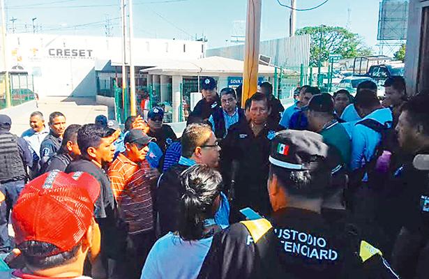 Paran labores custodios del penal de Villahermosa