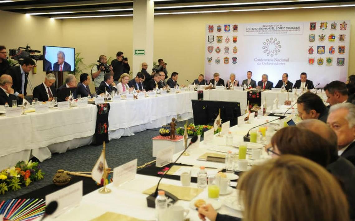 AMLO propone mesas de trabajo interinstitucionales con comisiones de la Conago