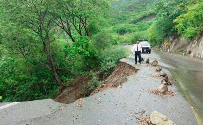 Tormenta tropical Calvin llega a costas de Oaxaca