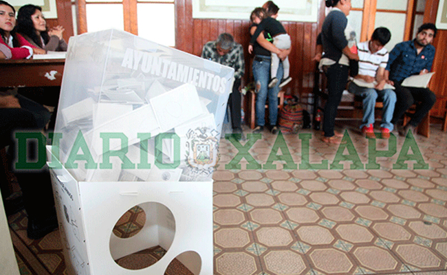 Inicia cierre de casillas en Veracruz; alistan conteo de votos