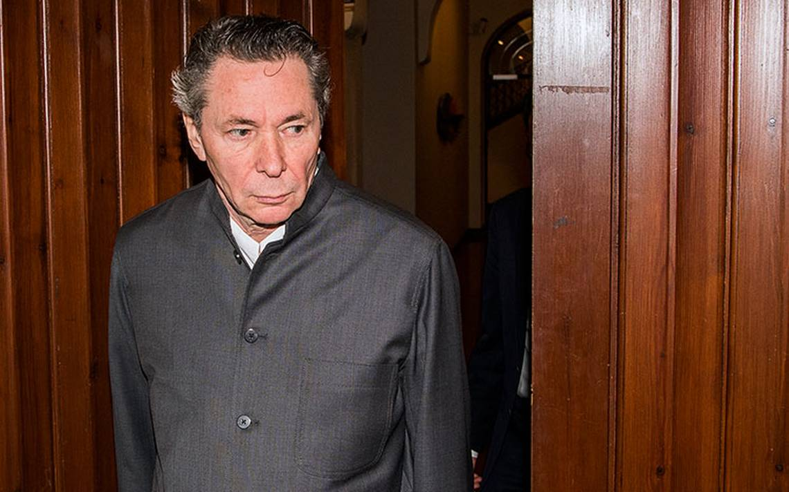 Dan dos años de cárcel al causante del escándalo del Nobel de Literatura