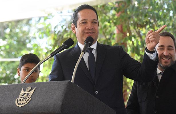 Pancho Domínguez reprueba detención de reportero gráfico