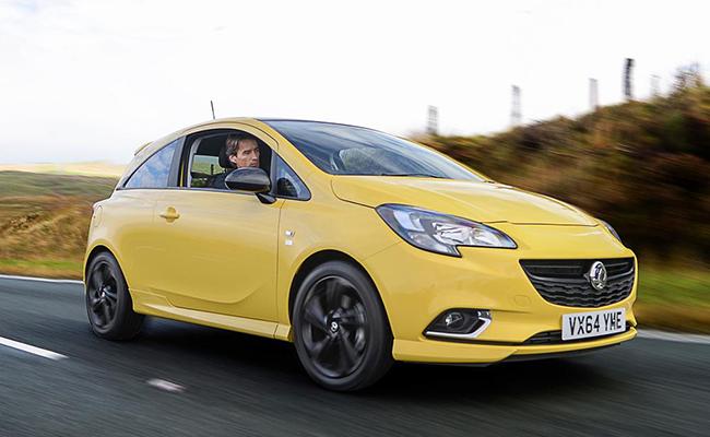 Vandalizan coche en pueblo inglés por su llamativo color amarillo