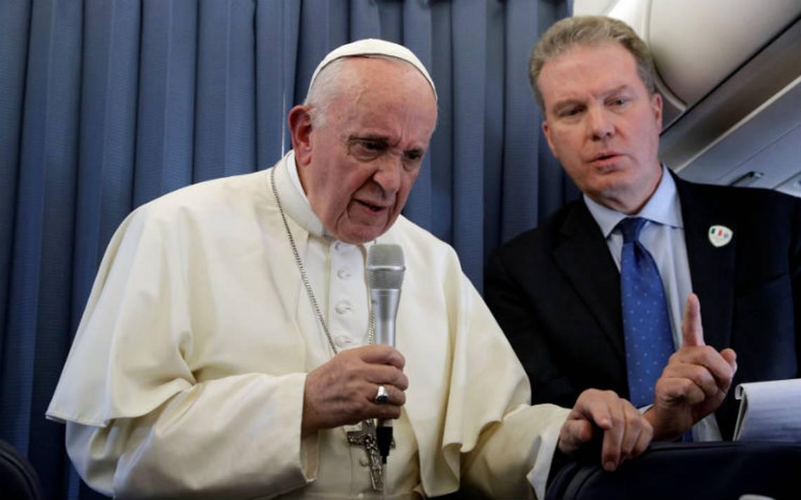 Papa Francisco recomienda tratar la homosexualidad con un psiquiatra