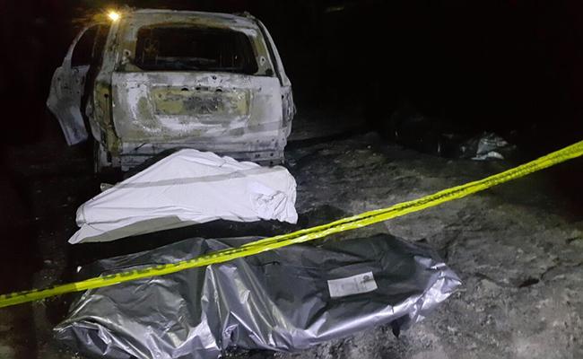 Hallan 5 cuerpos calcinados dentro de vehículo en Chilapa